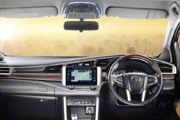 Toyota-Innova-Crysta-Interior-123843